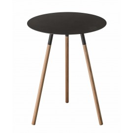 Stolik czarny na drewnianych nóżkach